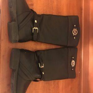 Kids size 2 Michael Kors boots